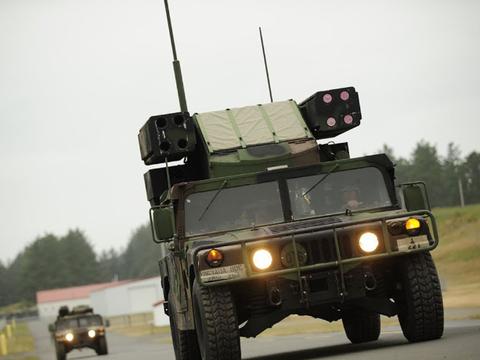 世界一流防空武器,复仇者防空导弹系统优势明显,其体积小!
