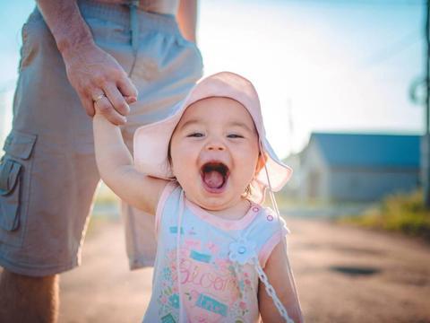 宝宝说话笨得可爱,其实可能是语言发育迟缓