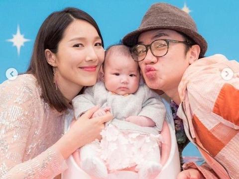 王祖蓝和女儿长太像,李亚男生完二胎恢复快,幸福生活圈内人羡慕