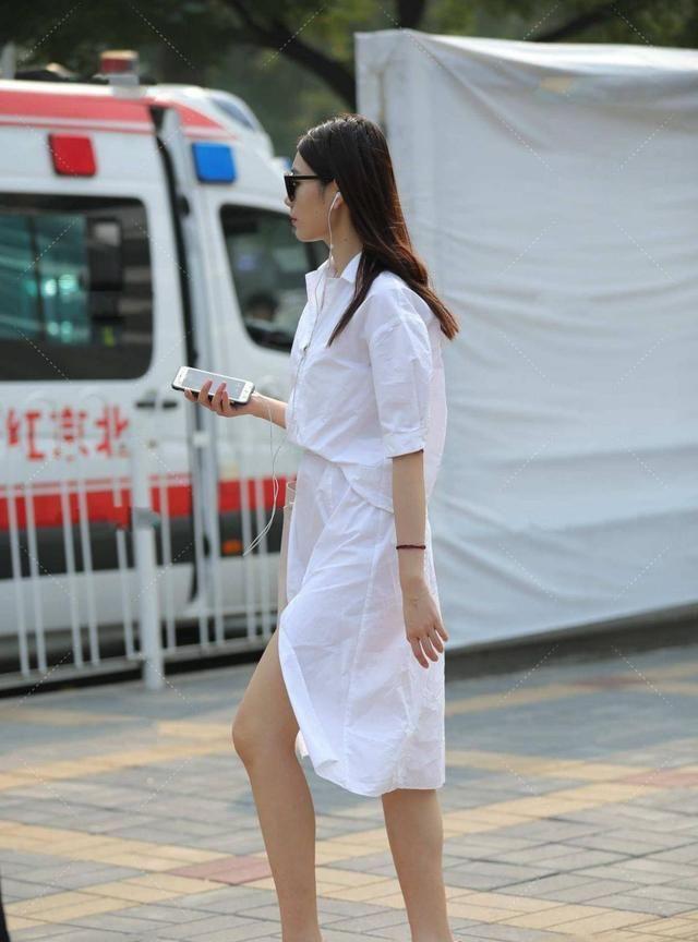 长款衬衫裙,休闲版包含各种体型,中长款式凸显强气场