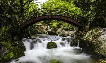 安徽省东至县东部葛公镇境内,一个冰瀑奇观,皖南山区最大瀑布群