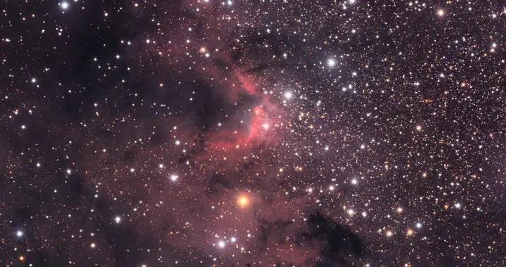 摄影师拍下一千多年前的星星,画面美轮美奂让人头晕目眩