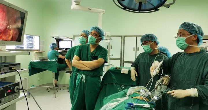 """苏州一30岁女子右肾患巨大肿瘤,苏大附一院打响""""肾脏保卫战"""""""