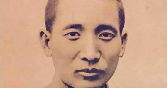 唯一没和我党打仗的国军上将,获得毛主席肯定,促成新疆和平解放