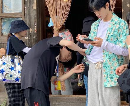 《快乐大本营》和《向往的生活》联动,宋亚轩、刘耀文接替丁程鑫