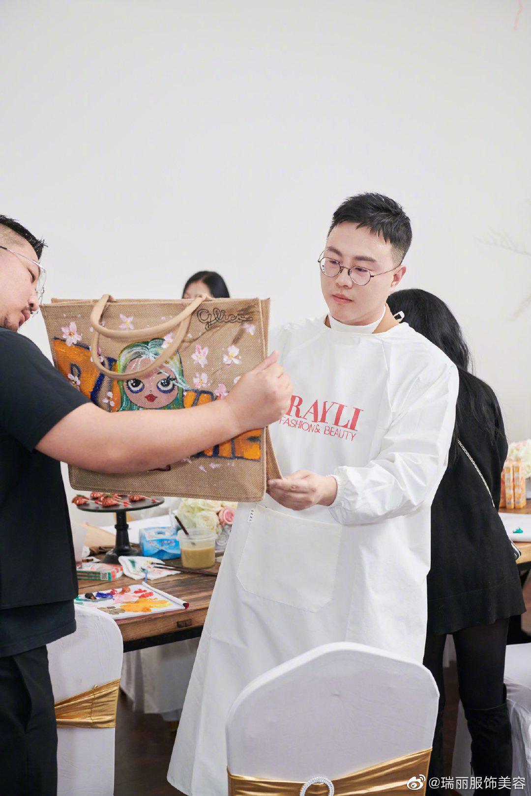 中国国际大学生时装周专属