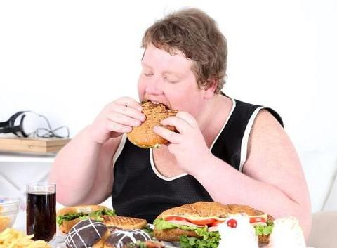 发胖食物排名第一位的,不是肥肉,女性比较喜欢吃,不妨了解下