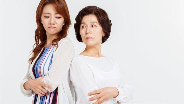 婚后跟婆家人住在一起,发生矛盾后婆婆逼我离婚,我:离就离!