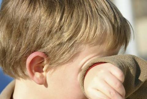 孩子总是爱哭,看到喜欢的东西就必须买,宝妈要正确引导以下几点