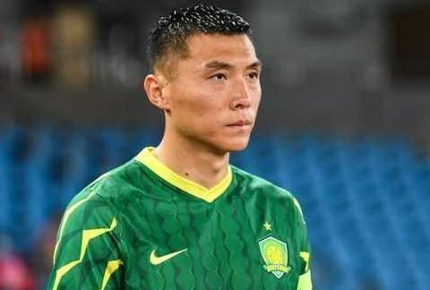 中国男足新名单分析:泰山队三人太多?明天和于大宝入选有争议