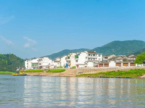 新安江山水画廊堪称天下独绝,这里的奇山异水与古村落令人着迷