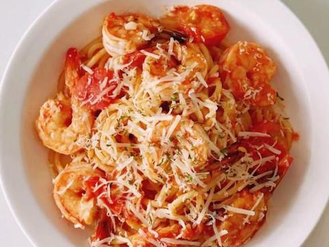 健康减脂餐:蒜香茄汁虾仁意面,素食蘑菇意面,菠菜丸子青酱意面
