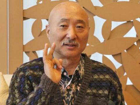 陈佩斯罕见与郭德纲同框,67岁陈佩斯胡子花白,两人现状相差甚大