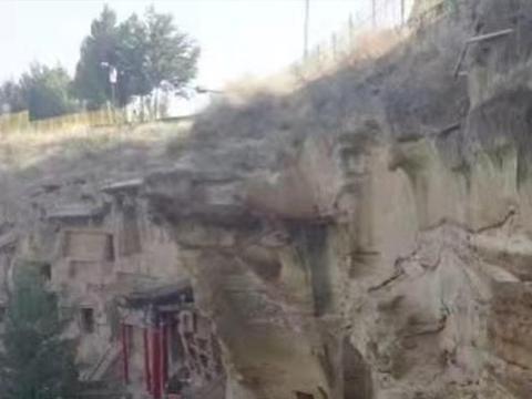 一个古时军事重地,可欣赏宋元时的石窟艺术,而冬天的雾凇同样美