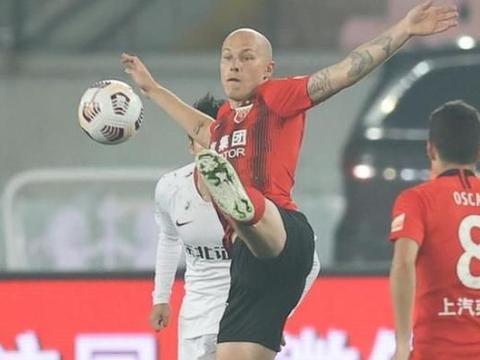 积分榜乱了!土豪队1-0绝杀摆脱垫底,上海海港升第1,申花跌第2