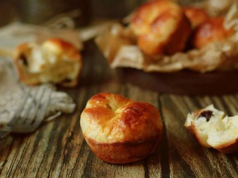 这样酒香的小面包你做过没?奶香四溢,做法简单还好学