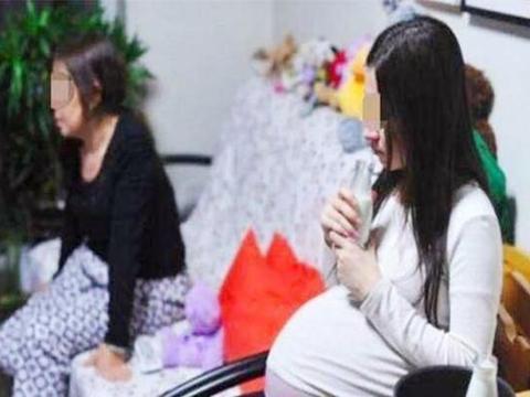 """年轻儿媳十月怀胎,分娩时才明白婆婆为什么那么""""重男轻女"""""""