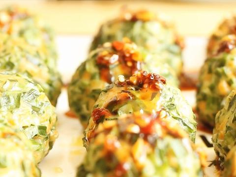 韭菜家常做法,我家面粉就不包饺子了,一次做一锅,真解馋