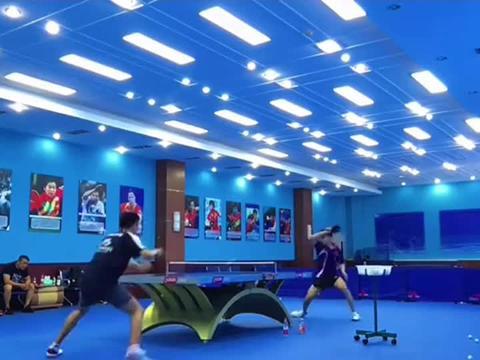 乒乓球国家队日常练习,高手之间的对决,抓住机会绝对不留活口!