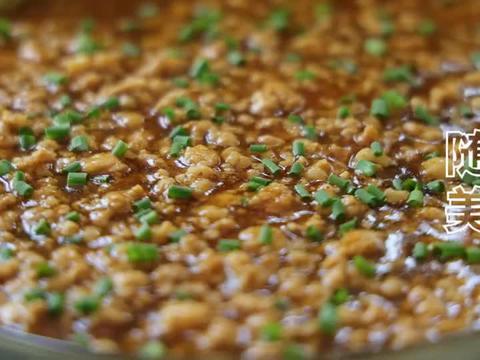 最近很火的鸡蛋新吃法,饭店一盘要45元,在家成本8元,好吃!