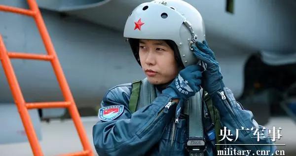 军旅人生丨张潇:歼击机女飞行员的追梦起航路