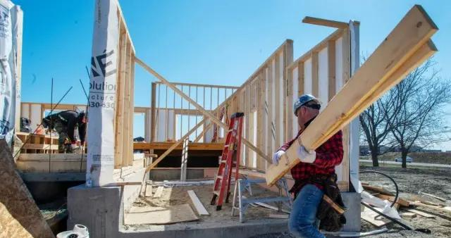 多伦多议员呼吁联邦稳定价格