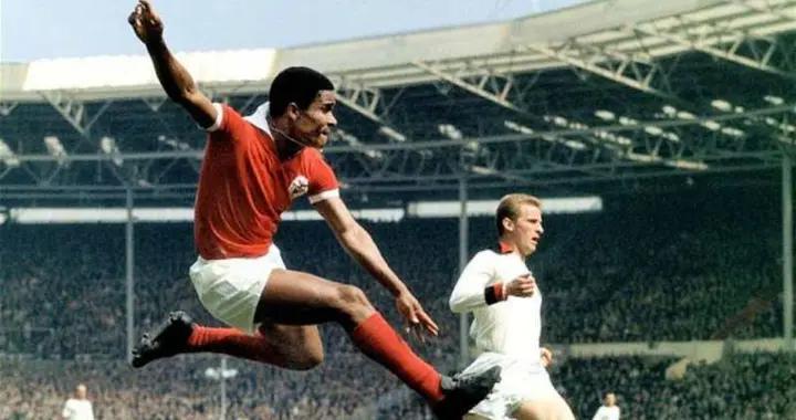 尤西比奥 菲戈 C罗 葡萄牙足球历史三大擎天柱