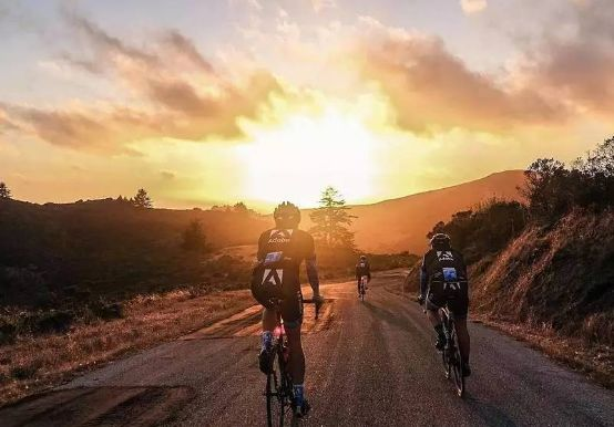 走路太慢,开车太快,只有骑自行车才能将一些美景好好的看一看