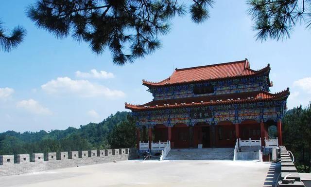 商洛不仅造就了闯王李自成,还孕育了众多山水美景