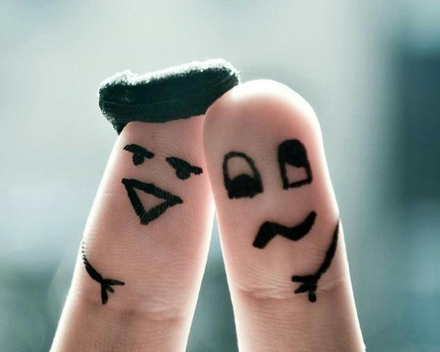 适合发朋友圈的搞笑幽默句子,让人笑着点赞,夸你情商高