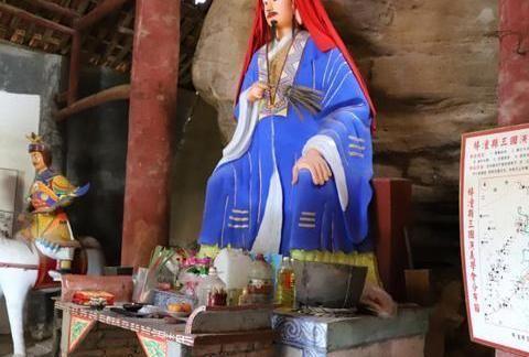 卧龙山景区的孔明泉,三国遗迹承载了千年历史,值得参观