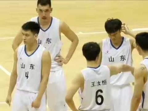 山东男篮狂胜对手54分,4连胜晋级全运会正赛,他展现出过人潜力