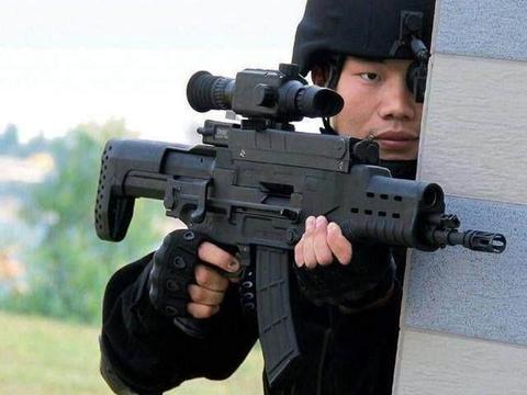 """美国陆军新型夜视仪,战场上可勾勒目标轮廓,还能""""看穿""""装甲车"""