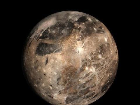 """木卫三:太阳系中的""""奇葩""""卫星,体型或比水星还大"""