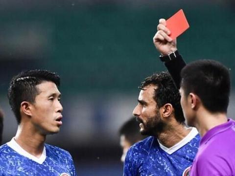 王学智:舒尼奇应该领到红牌!判罚毫无争议