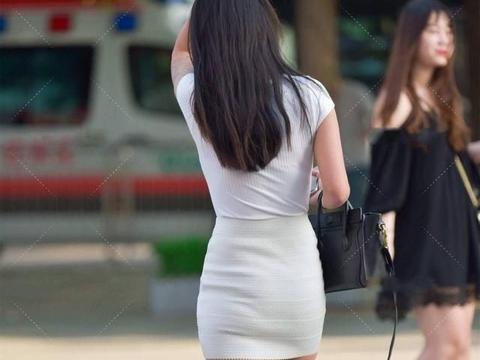 同色系穿搭只能是黑色?全白色系穿搭也可以!一样利落帅气