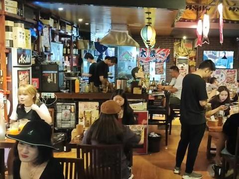 这里是日本人下班聚会的打卡地,这里是成都日式料理的深夜食堂