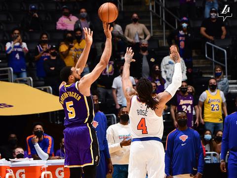 湖人击败尼克斯,帕金斯感慨:精彩的老派篮球