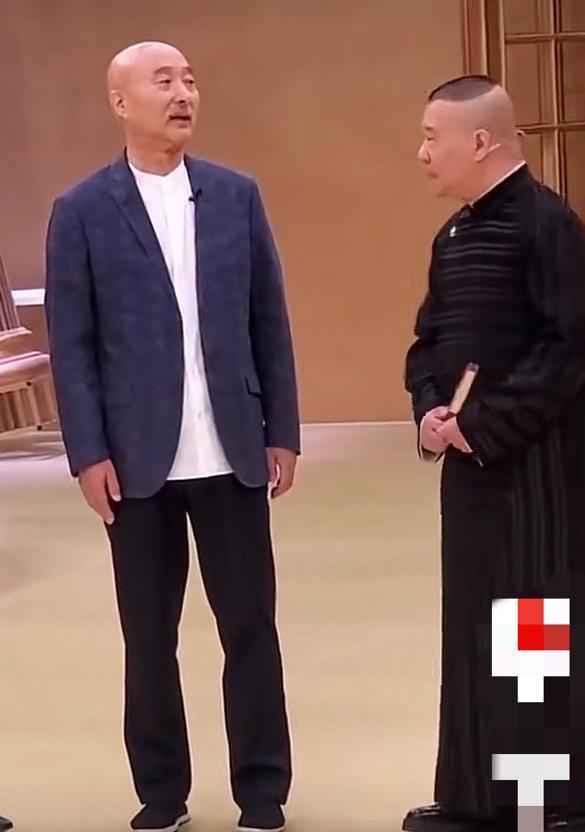 郭德纲陈佩斯罕同框,67岁陈佩斯胡子花白,二人差19岁现状差距大
