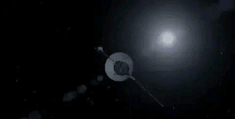 旅行者1号已经飞到228亿公里之外,它是怎么把信号传回地球的?
