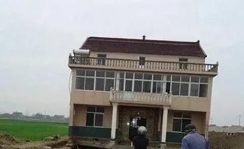 """江苏一钉子户""""赚大发了"""",房子被平移,还拿到拆迁款!"""