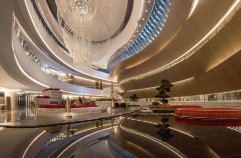设计五星级酒店,与FENDI、TURRI合作的他有多牛?