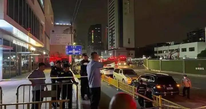 杭州一医疗门诊部起火!18人受伤,负责人被警方控制