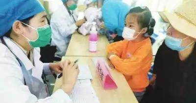 打喷嚏、咳嗽、气喘、胸闷,别把儿童哮喘当成感冒