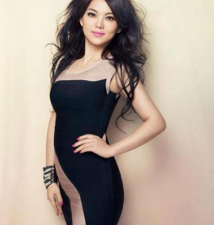 45岁的李湘瘦身成功,撕下微胖标签,网友:颜值终于重回巅峰