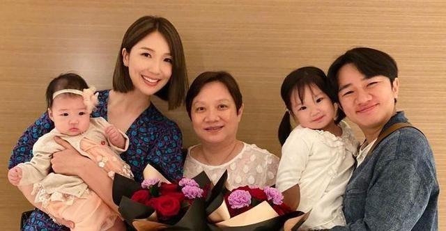 王祖蓝晒两女儿合照,两个女儿十分可爱,五官相似复制黏贴李亚男