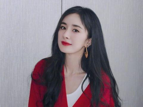 懒理刘恺威营销女儿,杨幂称很享受剧组生活,曾因女儿出镜生矛盾