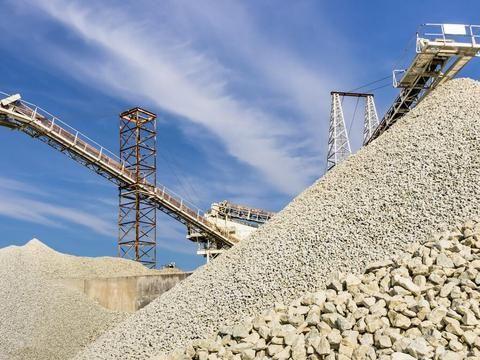 众瓴砂石资讯:新人开砂石厂,都需要设备以及手续准备和配套设施