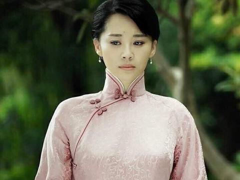 """民国风造型穿出土气感,""""齐刘海""""一言难尽"""