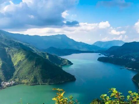 四川有一个媲美泸沽湖景区的湖泊,而且不要门票